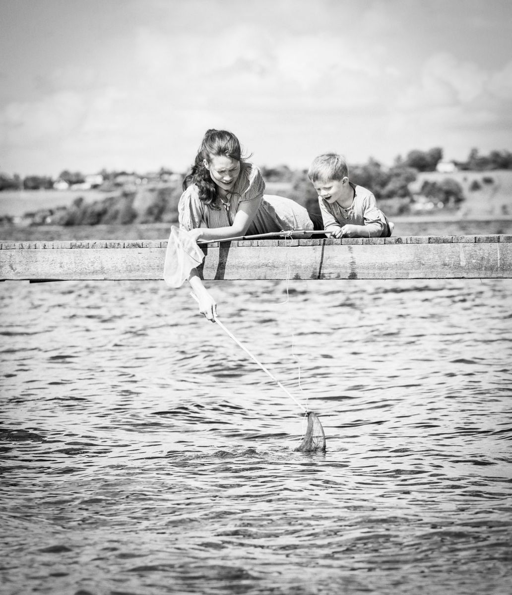 1j__rgen_spedsbjerg_ebbesen_photography_familie_family_mom_mor_datte_daughter_natur_nature_water_ocean_vand_hav_fiske_fishing_22
