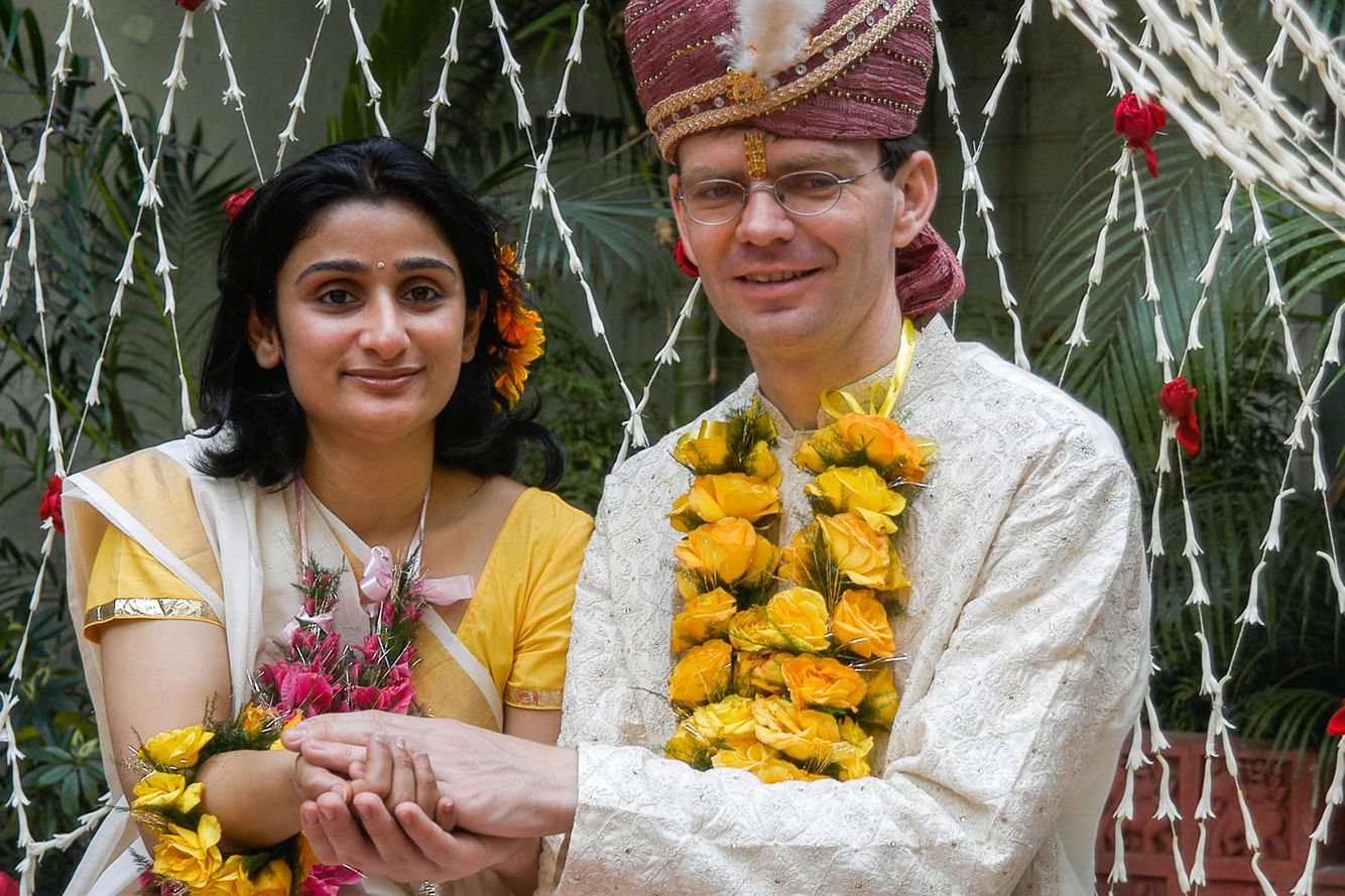 WEDDING STORY: CROSSING THE BRIDGE OF TRADITION TOGETHER.