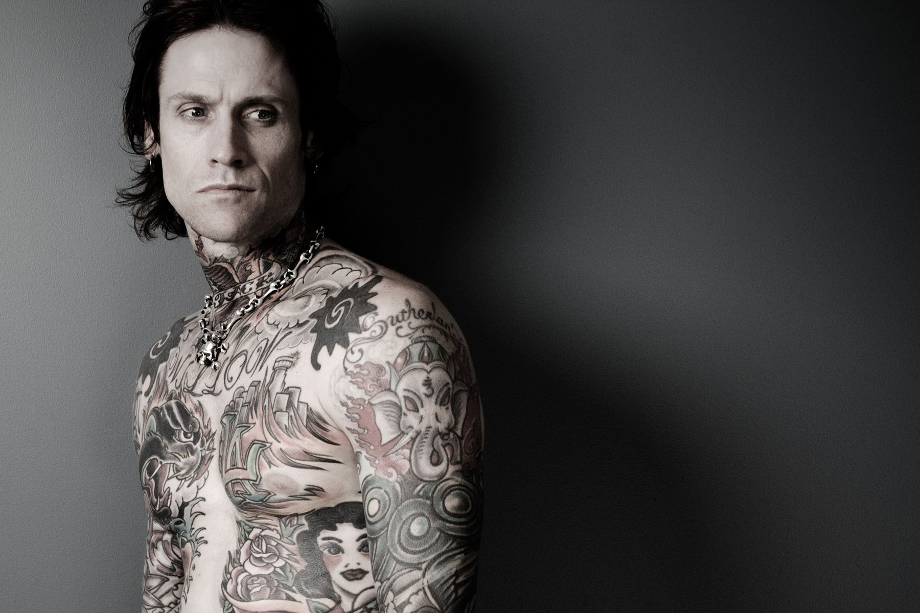 8_0_115_1buckcherry3.jpg