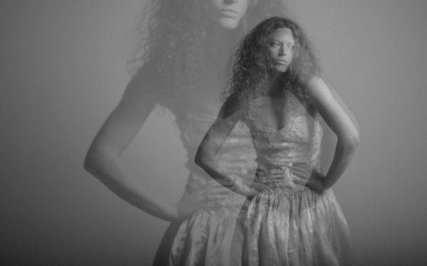 Holly Hodson/contemporary dancer, House of Verlaine