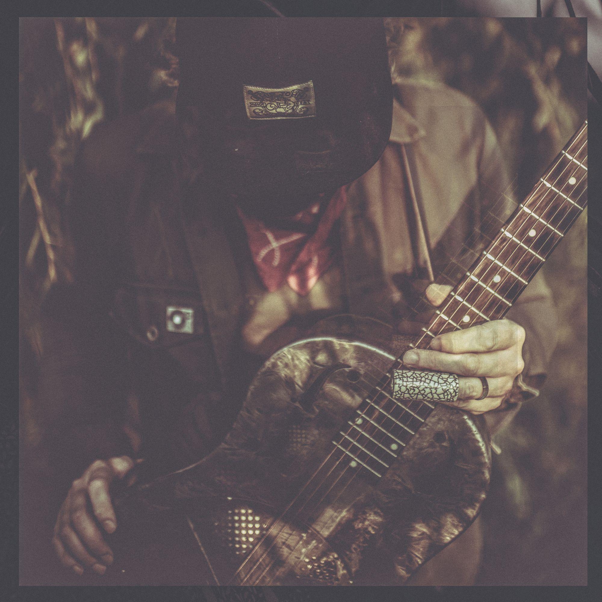 Jeff Fielder/songwriter, guitar player