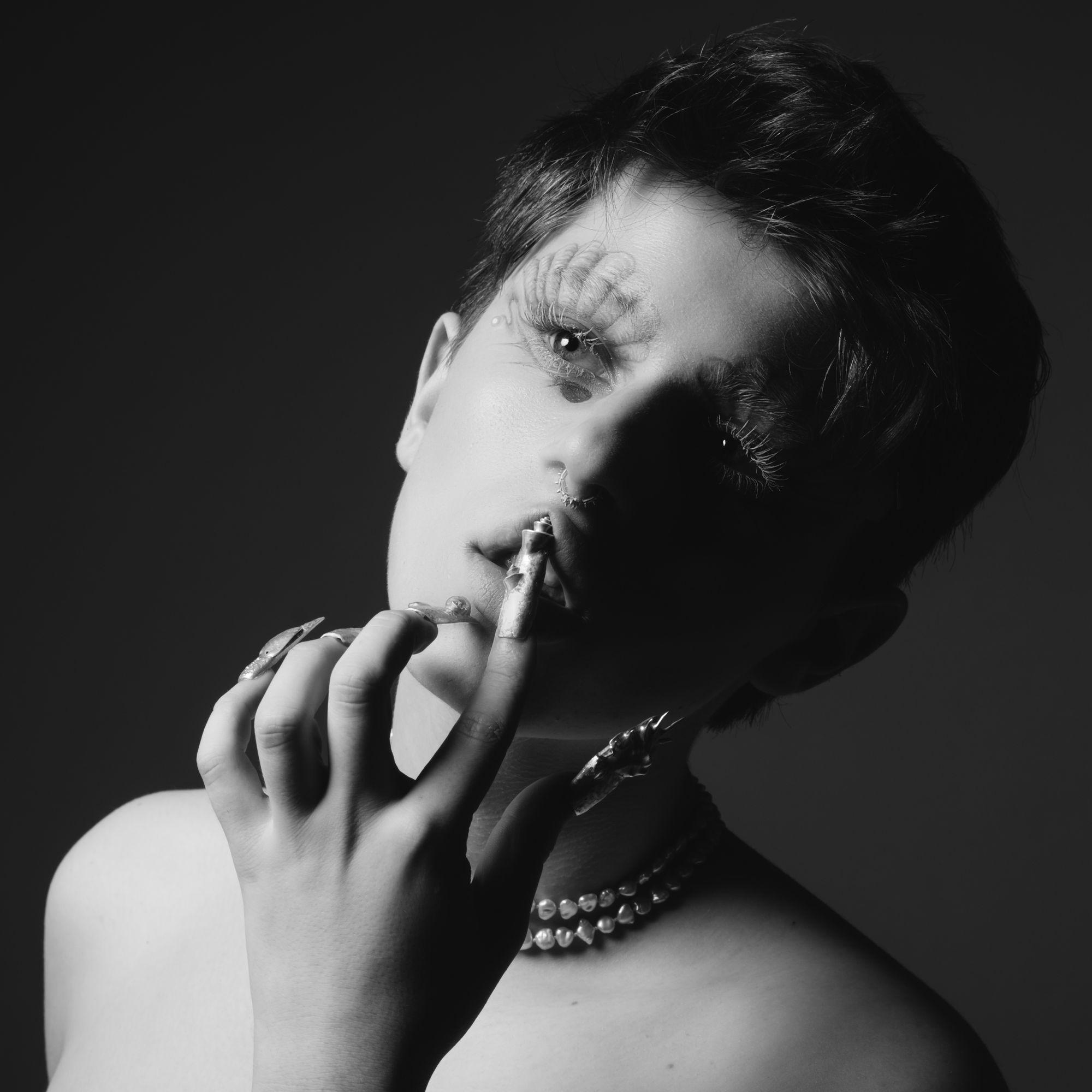 Julian Stoller/makeup & visual artist, 2021