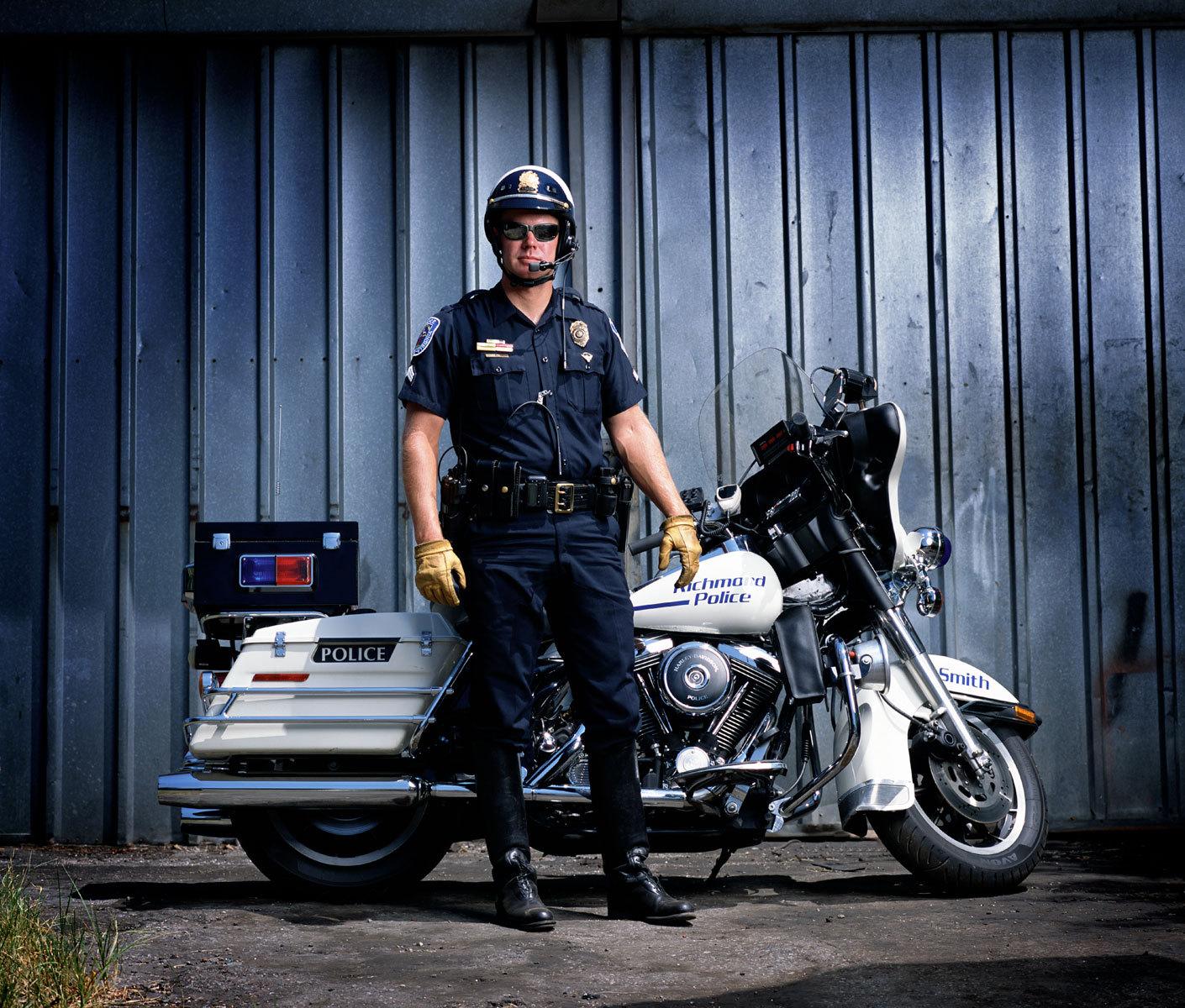 1motorcycle_cop