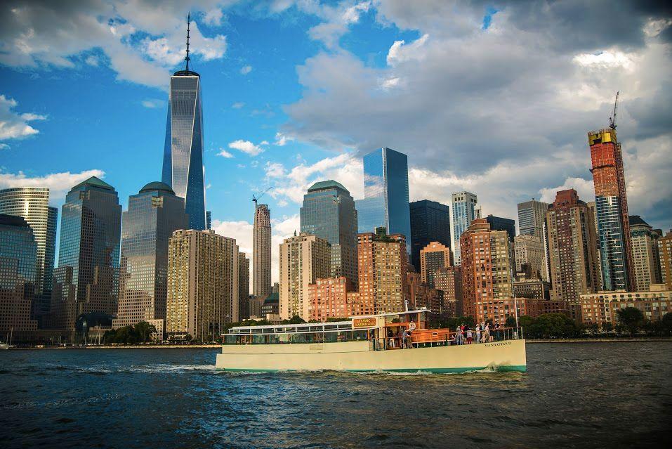 Yacht Manhattan II Exterior.jpg