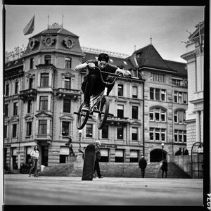 1r20160416_hassy503cw_hp5__400_120mm_z__rich_meetup_bmx3_finweb.jpg
