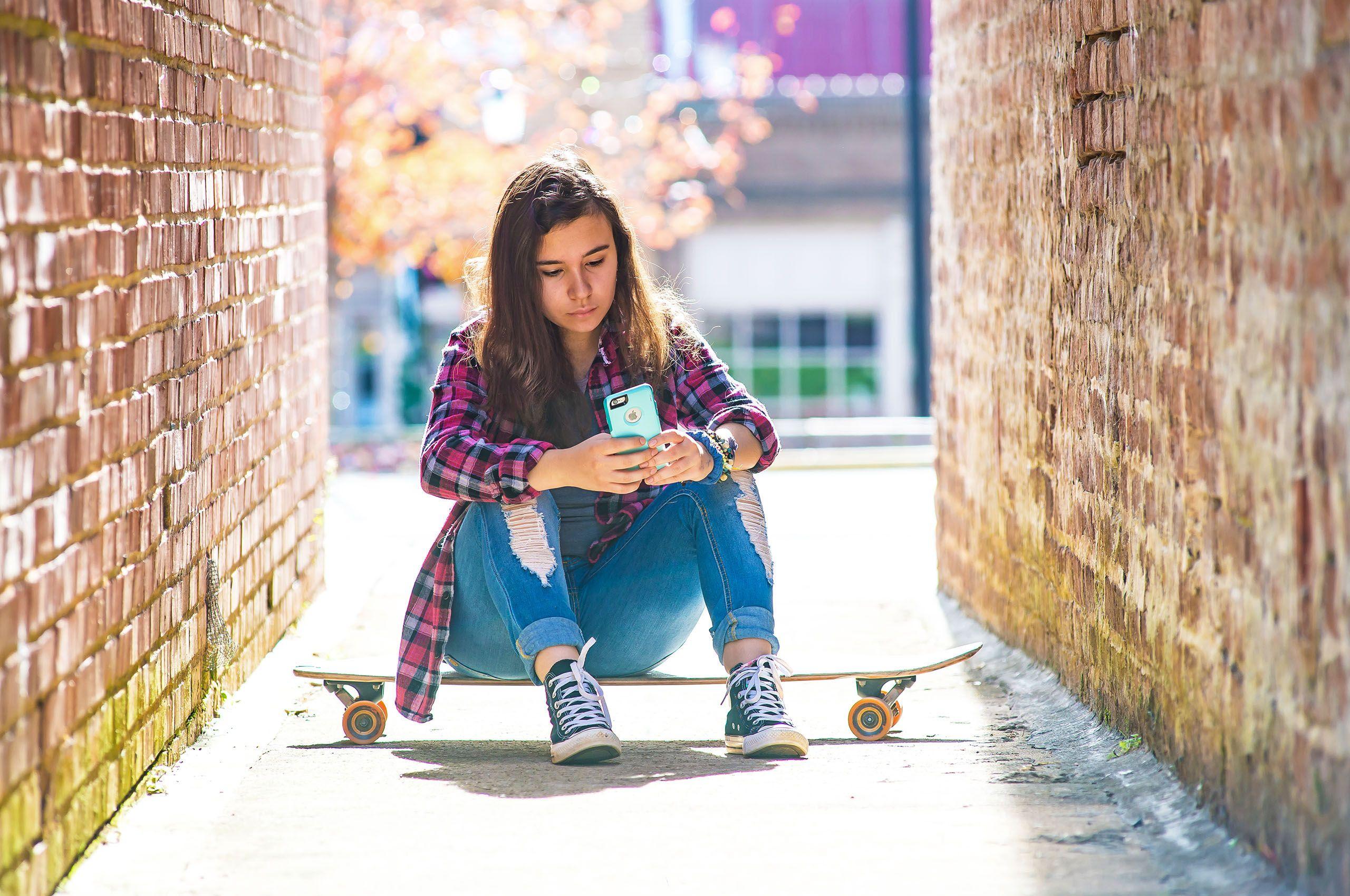 Jilly_Skateboard_LB.jpg