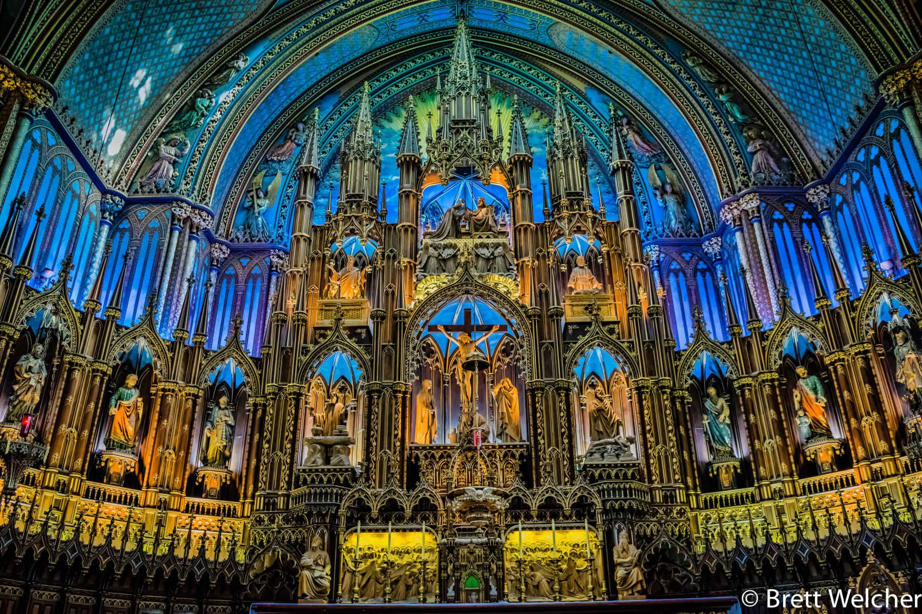 Big enough to hold 4,000 worshipers and breathtaking in the richness of its interior furnishings, the Notre-Dame Basilica in Montreal is a magnificent Neo-Gothic church.Of the hundreds of churches on the island of Montreal, Notre-Dame's interior is the mos