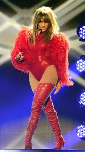1jennifer_lopez_billboard_music_awards_2013_performance_video_10.jpg