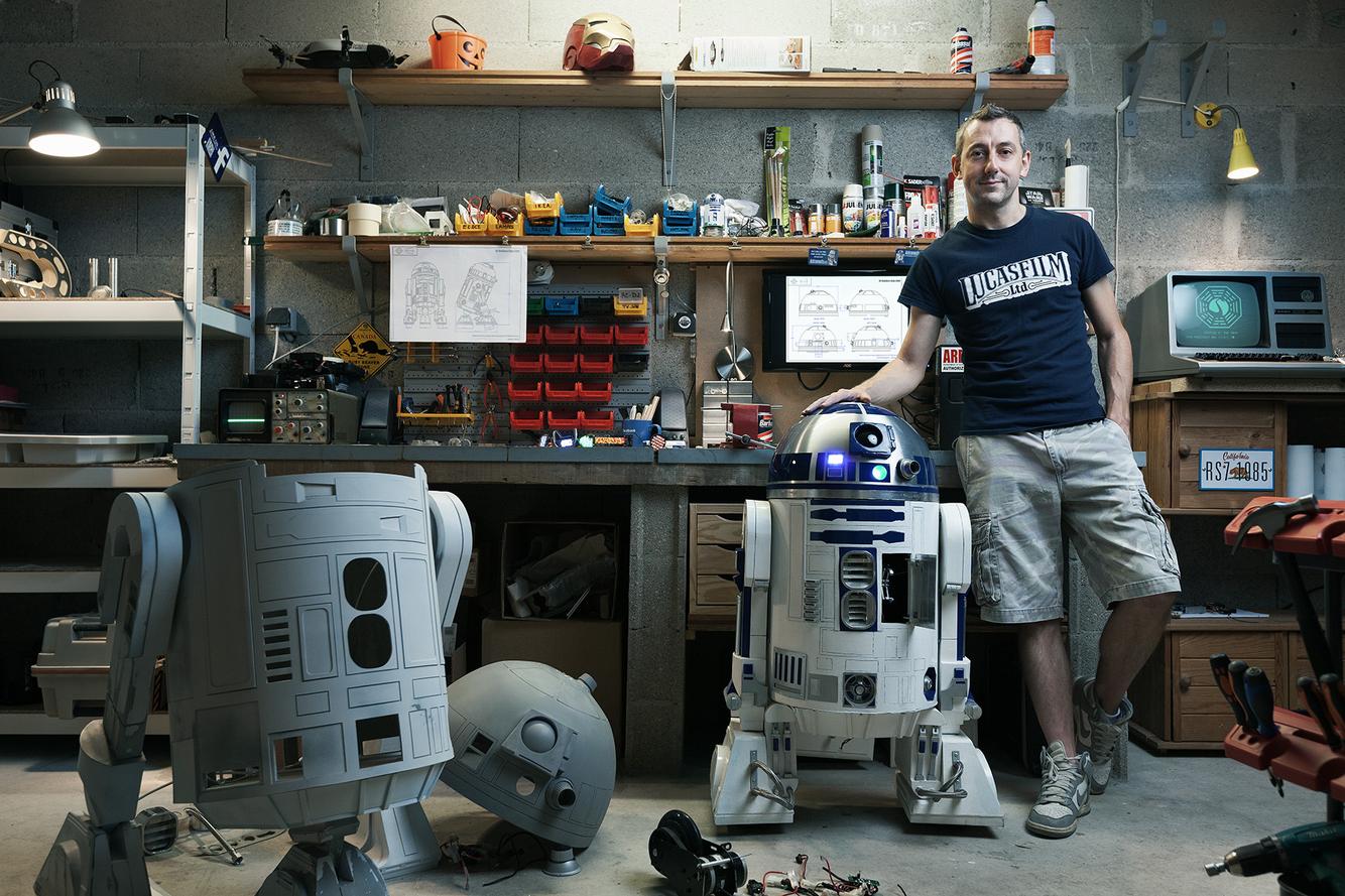 Portrait of Eric Durand, R2-D2 Builder © Benoit Lapray