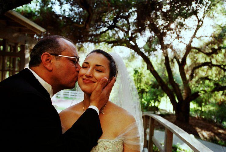 1Dad_kiss_bride