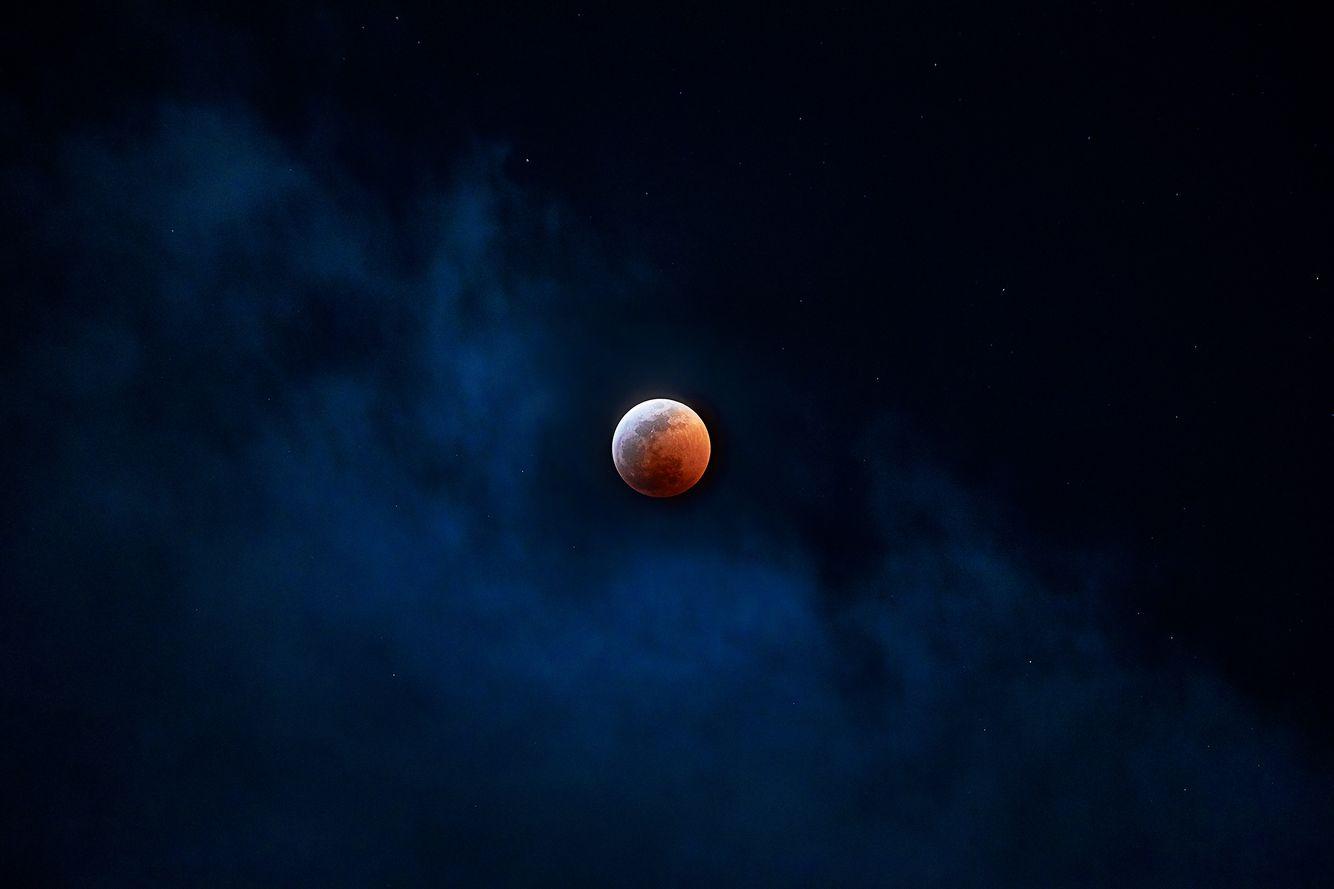 Bloody-Moon.jpg
