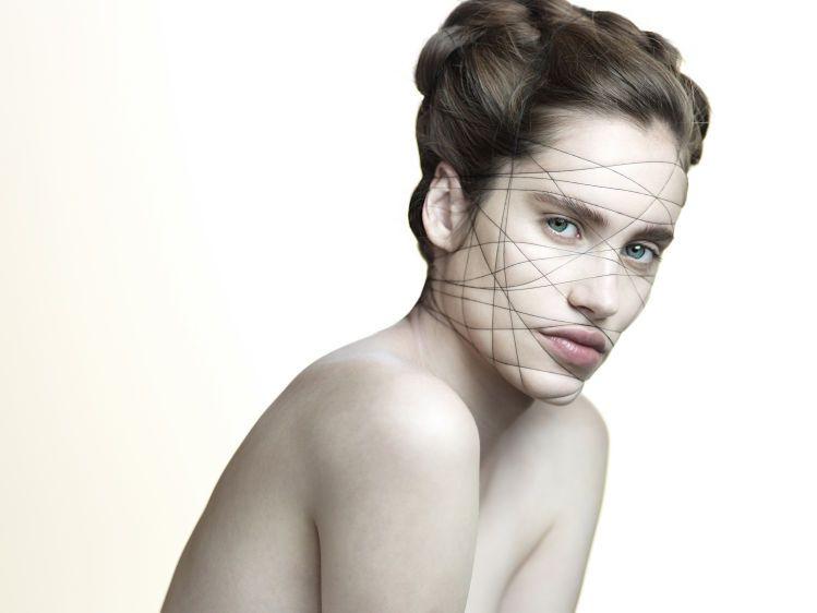 TangledModel: Victoria LehmanPhoto: Caesar LimaMakeup and props : Veronica