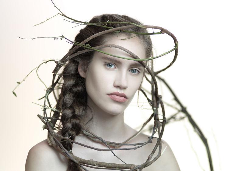 TangledModel: Victoria LehmanPhoto: Caesar LimaMakeup and props: VeronicaMakeup by Veronica