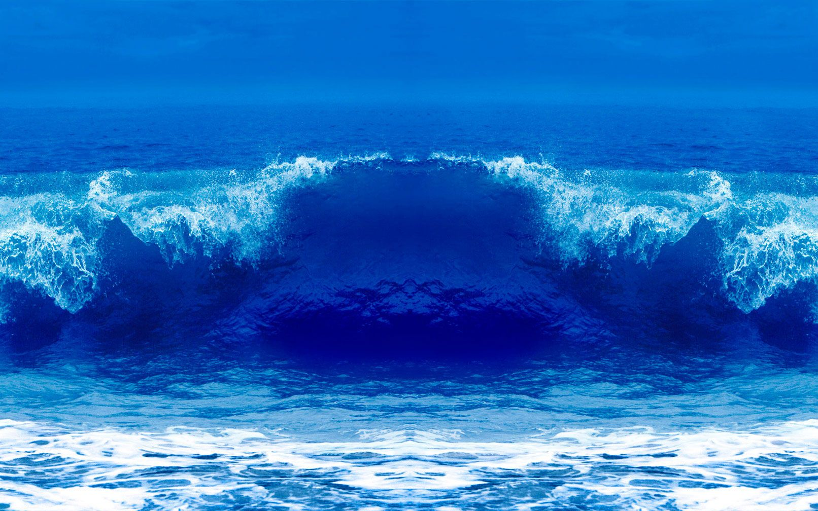 "Blue Vulcan Wave 48"" x 80"""