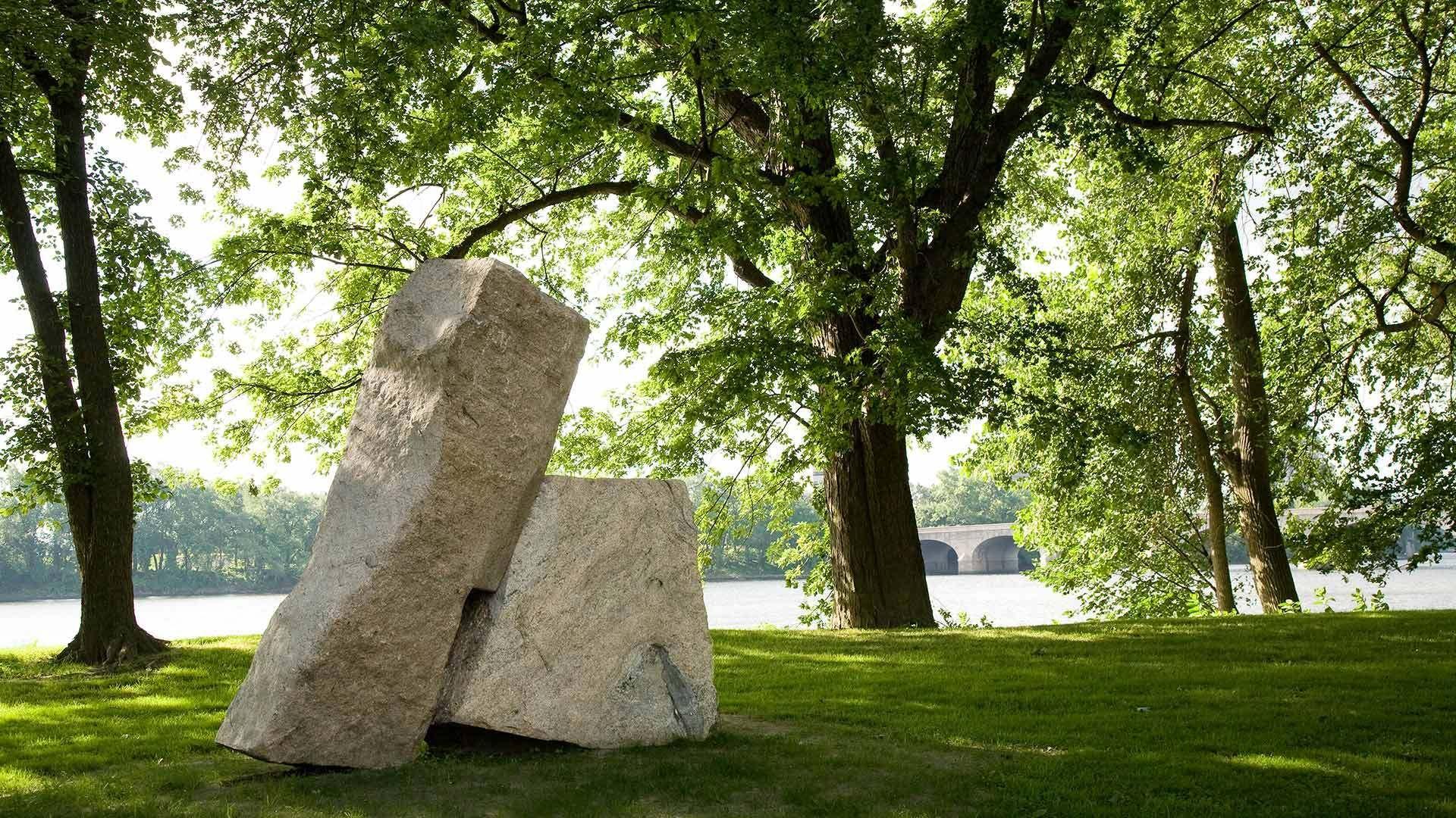 1darrell_sculpture_in_park