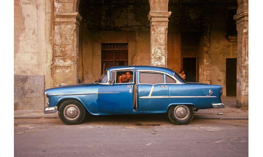 1r327_bluecar