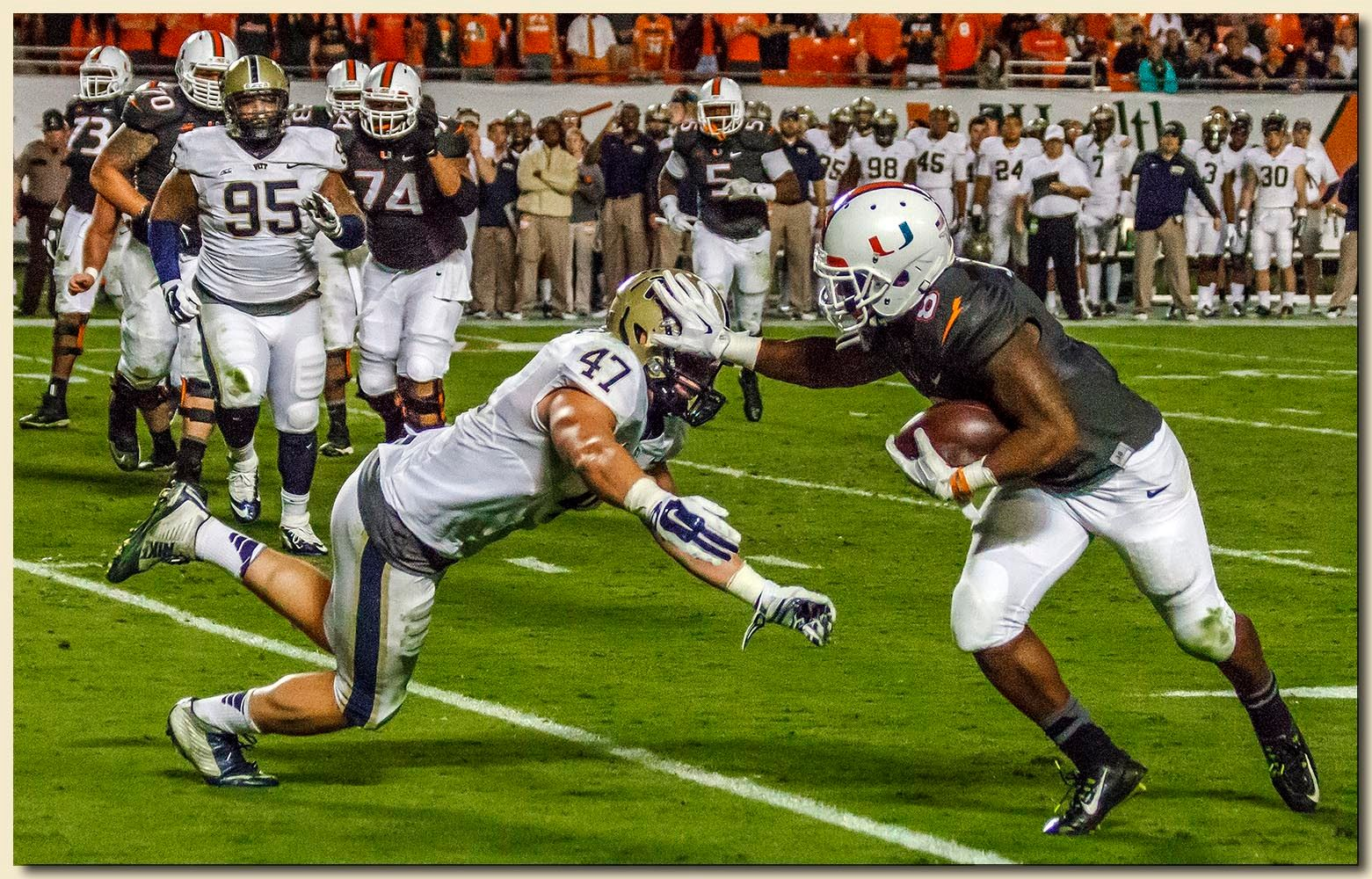 Duke Johnson (8) Ball Carrier Stiff Arm