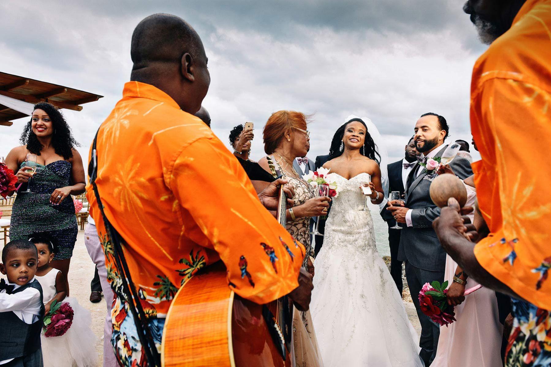 Destination wedding in Jamaica, cocktail time