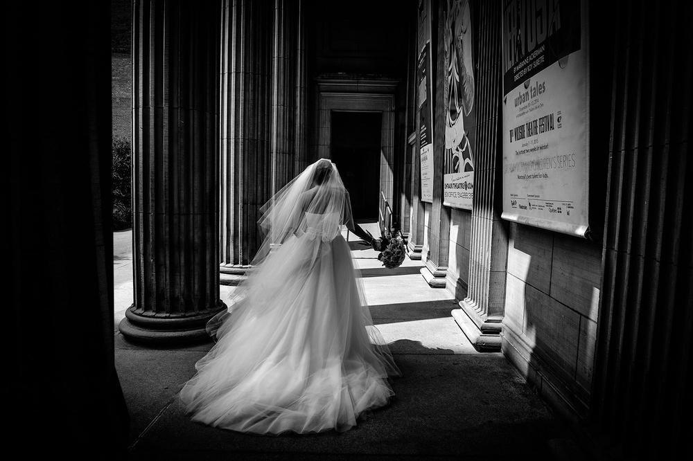 Montreal wedding photographer, beautiful bride, wedding dress