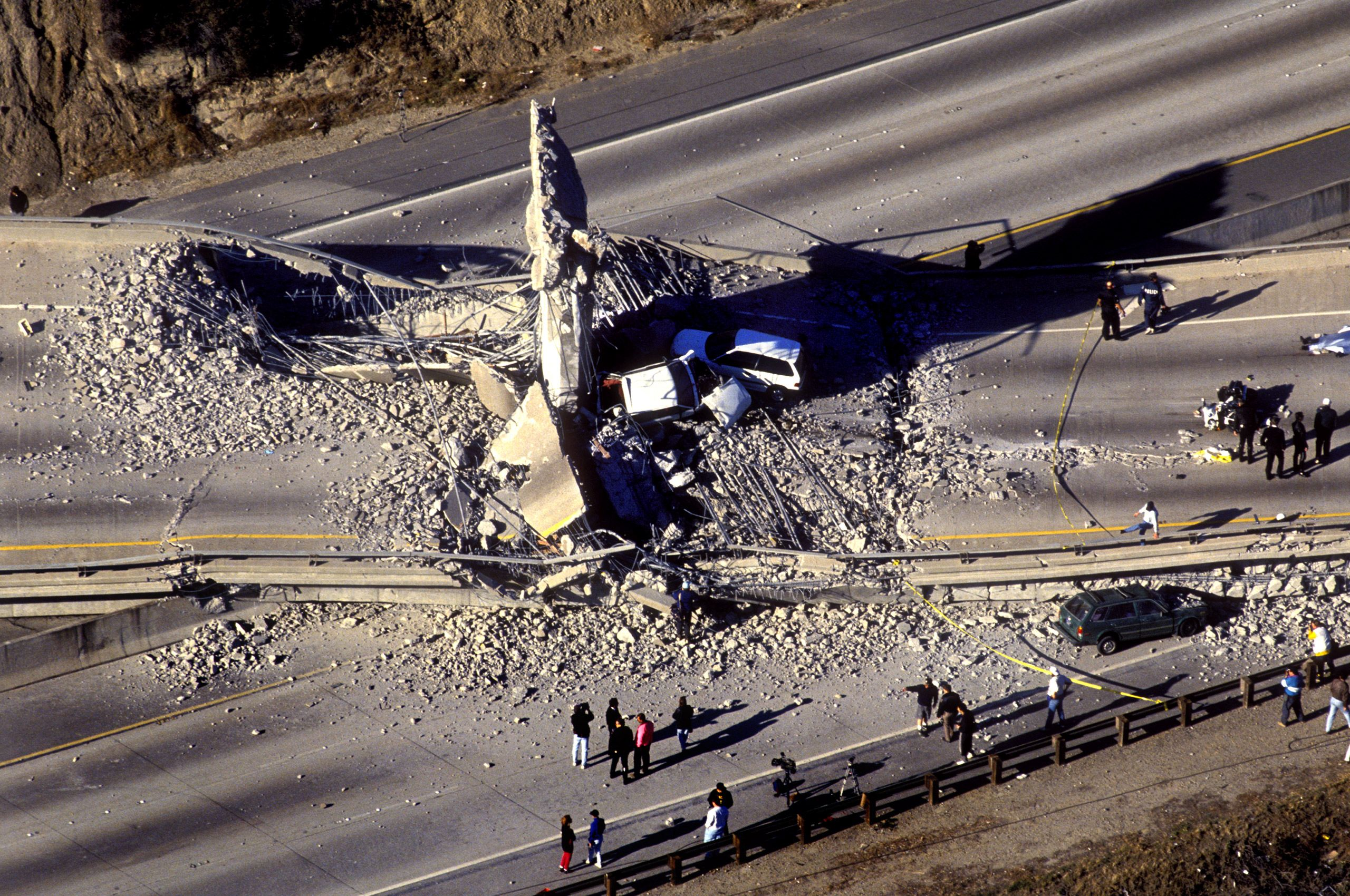 06Northridge-1994-Earthquake-Collapsed-Freeway-Ramp-where-Motor-Officer-Killed-Helicopter-View_.jpg