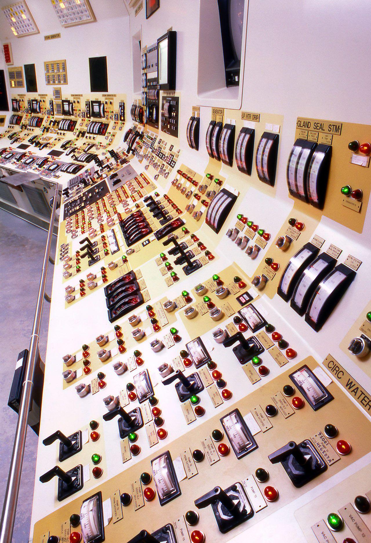 nuclear_controlroom.jpg
