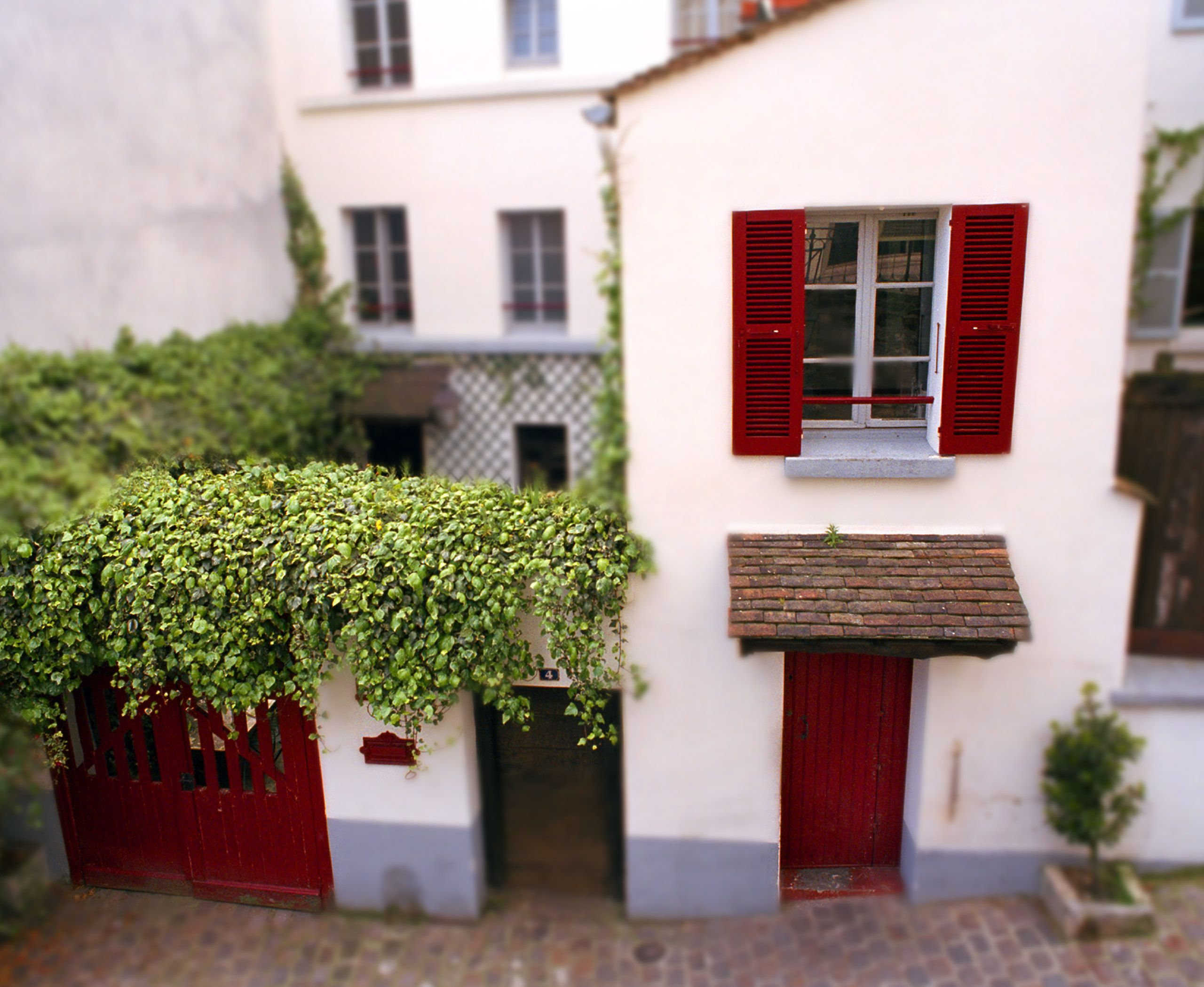 reddoor_house.jpg