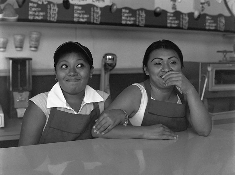 Two Girls - Merida   2004