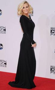 _jenny_mccarthy_2014_american_music_awards_in_la_112314_5.jpg