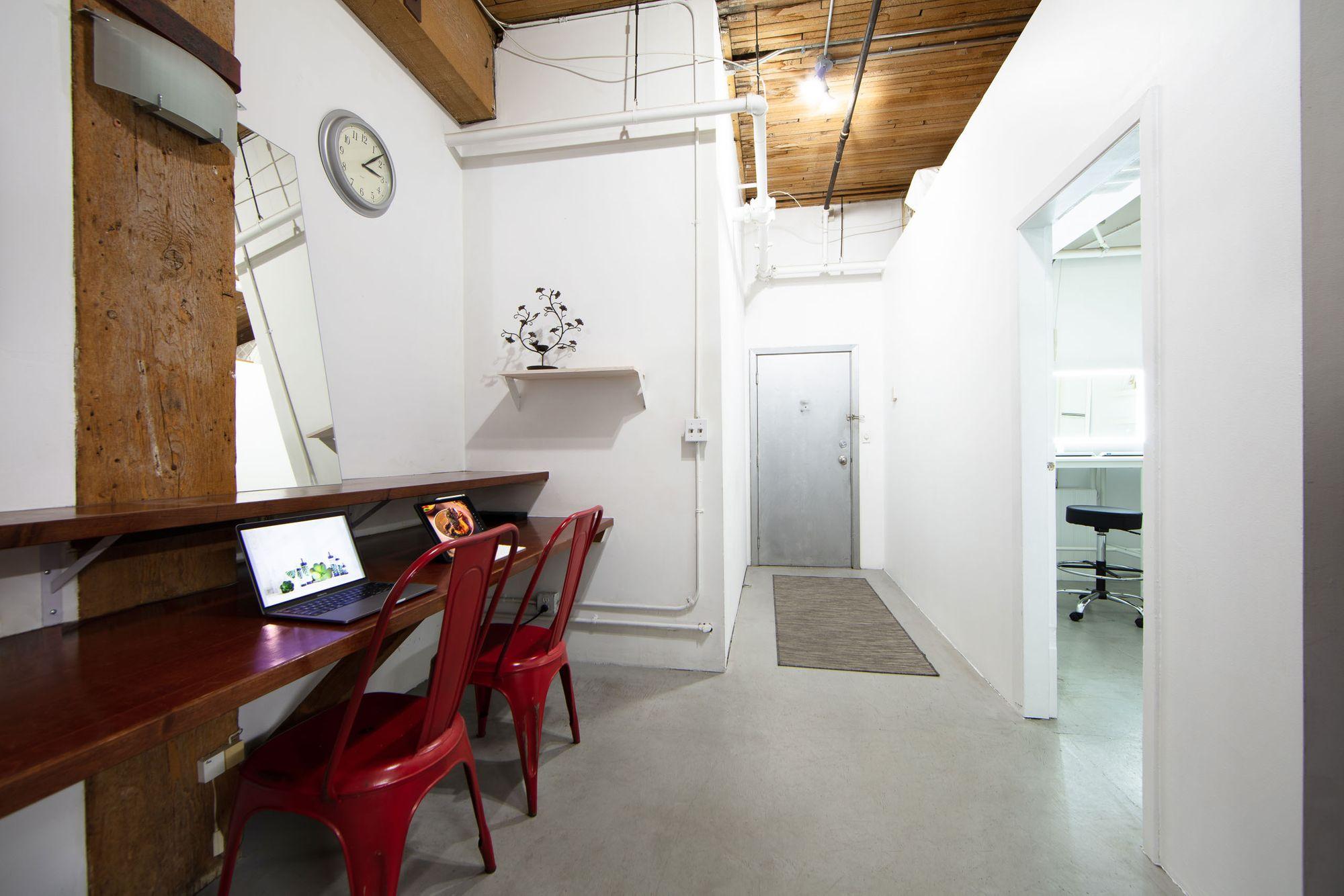 HallwayStudio021.jpg