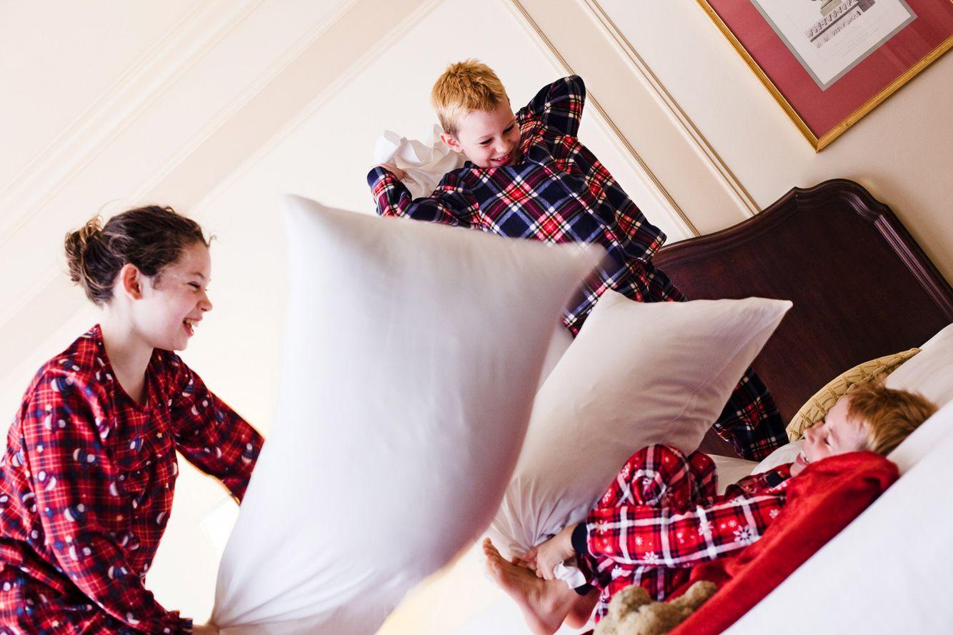 pillowFight248RET.jpg