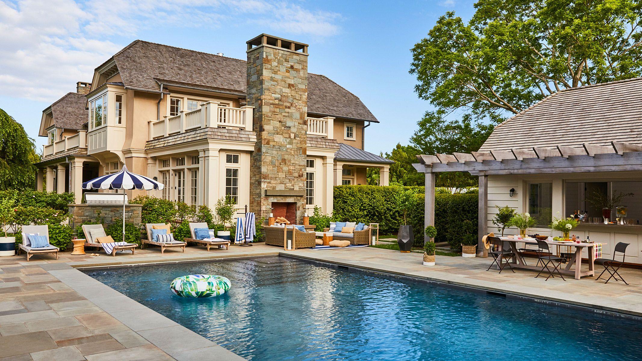 Christopher White-ElleDecor_Sothebys_Hamptons_PoolParty_1.jpg