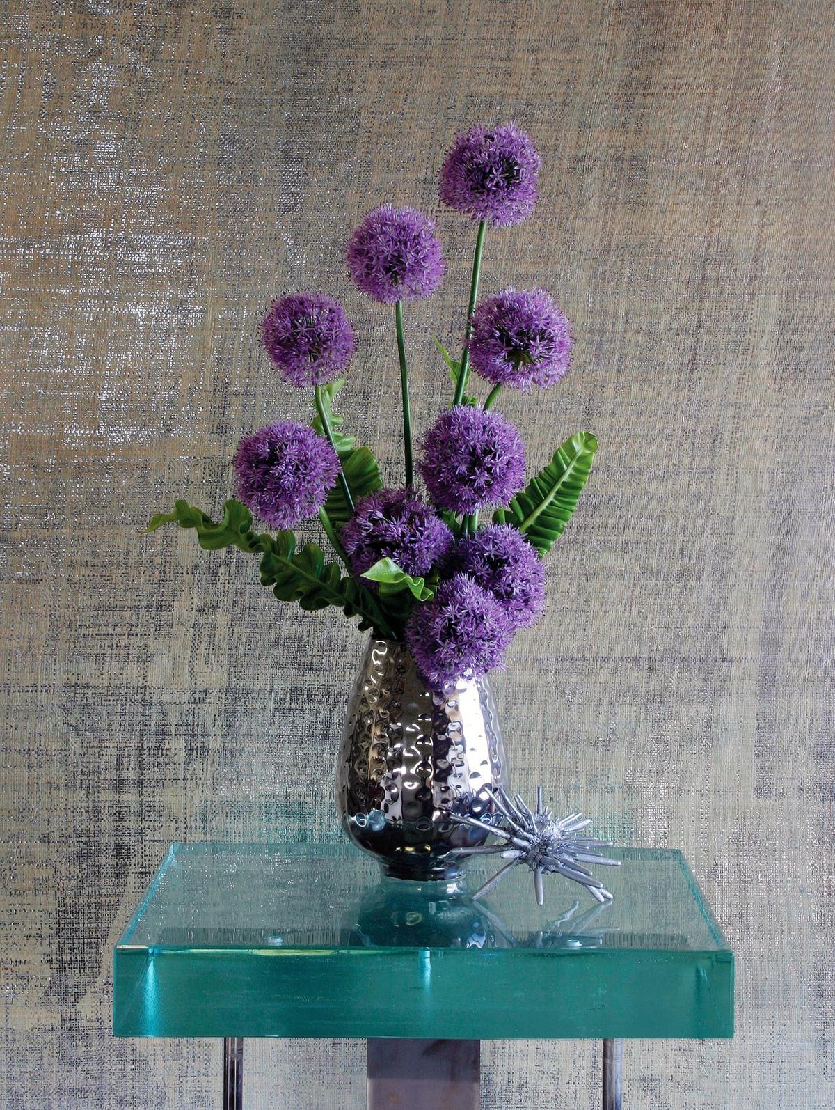 ChristopherWhite_HamptonsCottageandGardens_Allium.jpg