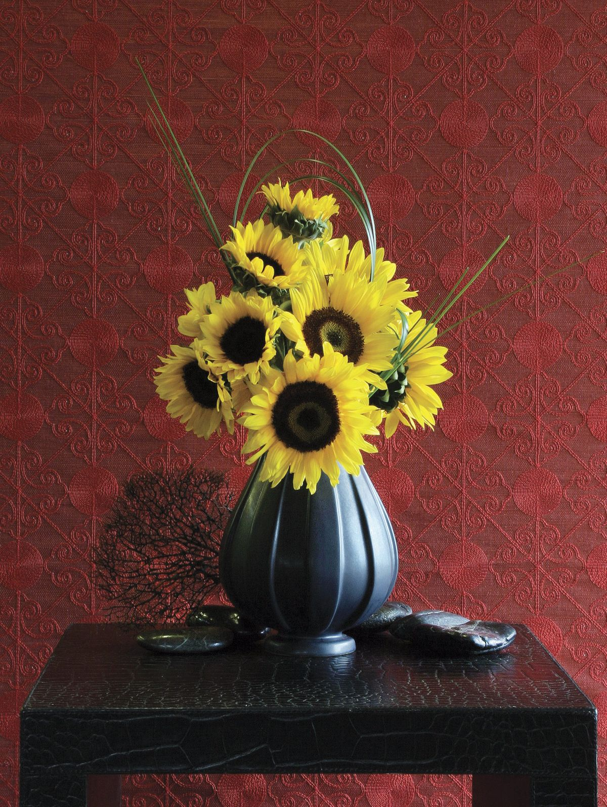 ChristopherWhite_HamptonsCottageandGardens_Sunflower-CYMK1.jpg