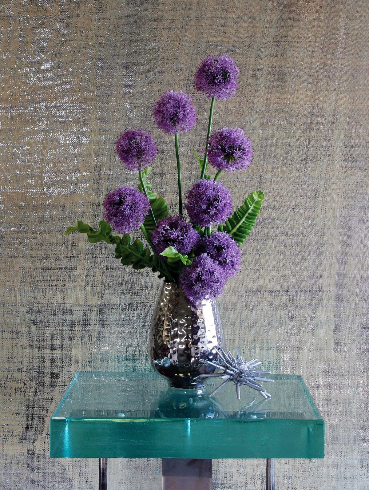 ChristopherWhite_HamptonsCottageandGardens_Allium.jpg