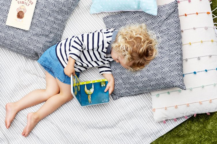 Cozy Outdoor Reading