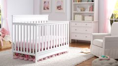 1r7334_100_delta_geneva_4_in_1_crib_white_room_with_epic_cases_walmart.jpg