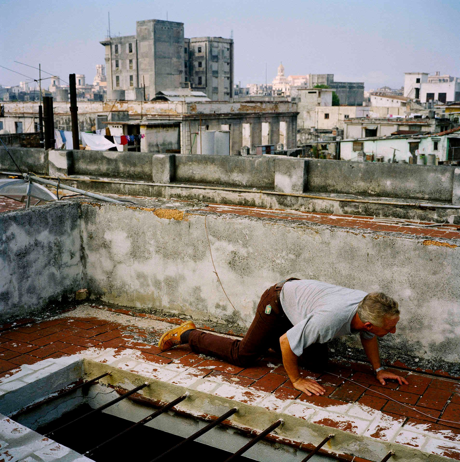 Rolando Crouching Havana