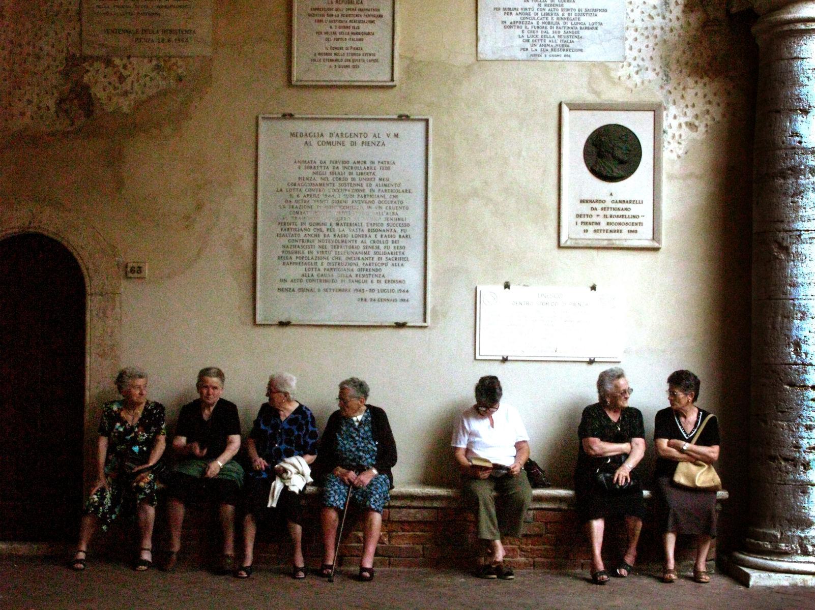 1italian_women_copy.jpg