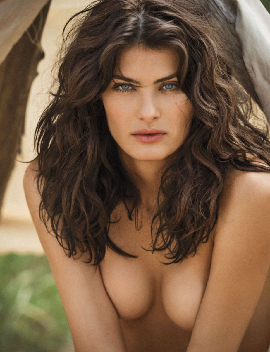 1isabeli_fontana_by_gilles_bensimon_for_maxim_magazine_october_2015