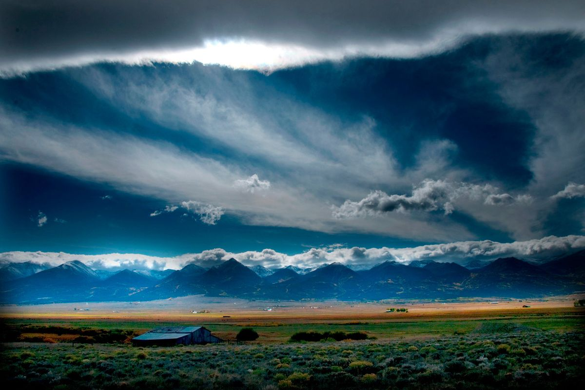 Mountain stormfrong