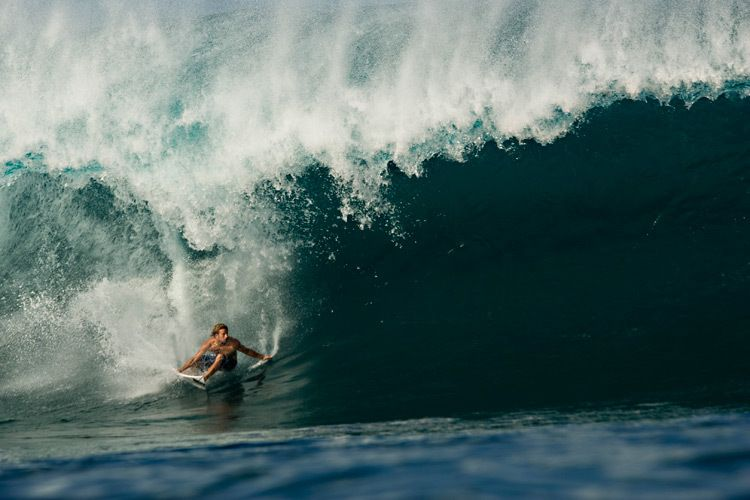 Josh Kerr finding a big barrel with no exit at Pipeline.