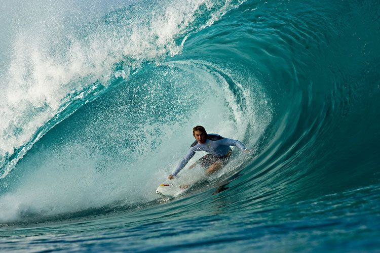 Jamie Obrien holding the line at Pipeline