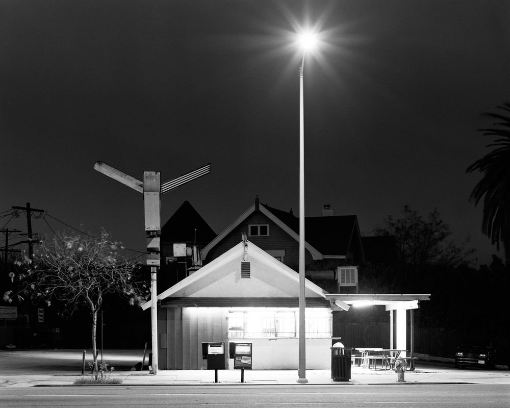 AYUSON_late_night_burger_800kb.jpg