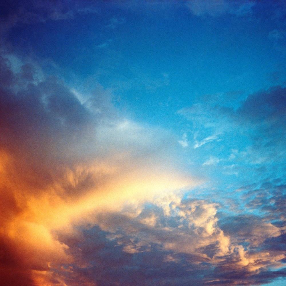 AYUSON_orange_blue_Clouds_800kb.jpg