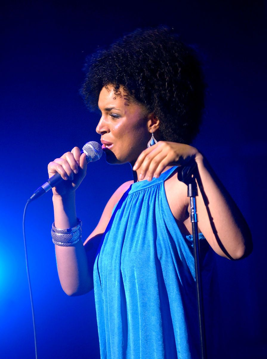 LAURA IZIBOR, DEVOS HALL 2009