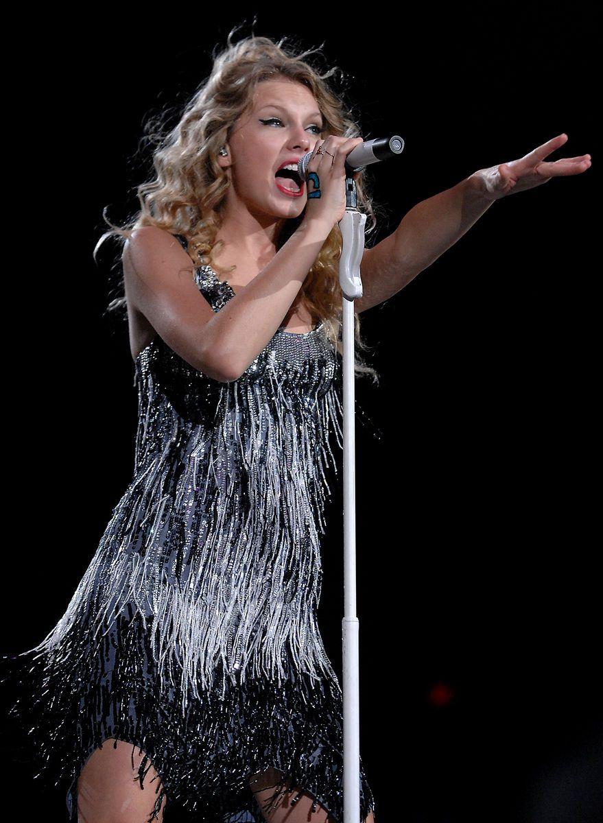 Taylor Swift Van Andel Arena 2009