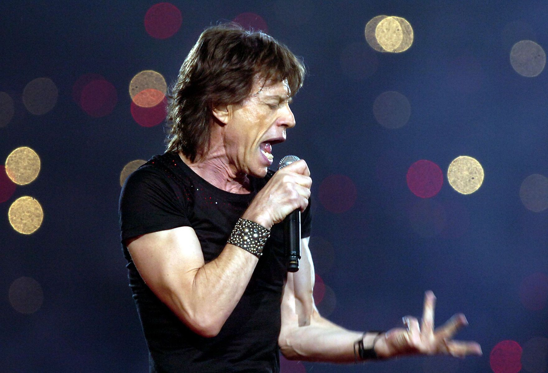 ROLLING STONE MICK JAGER,  FORD FIELD - SUPER BOWL XL HALFTIME SHOW 2005