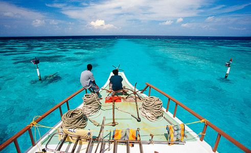 Maldives, Southern Reef pass, Elleven Clothes