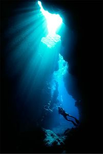Cave Diving, Nuie Island, Islands Magazine