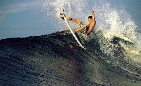 Chris Ward, On the edge cut back Hallow Tree's, Mentawais, Indonesia 1999